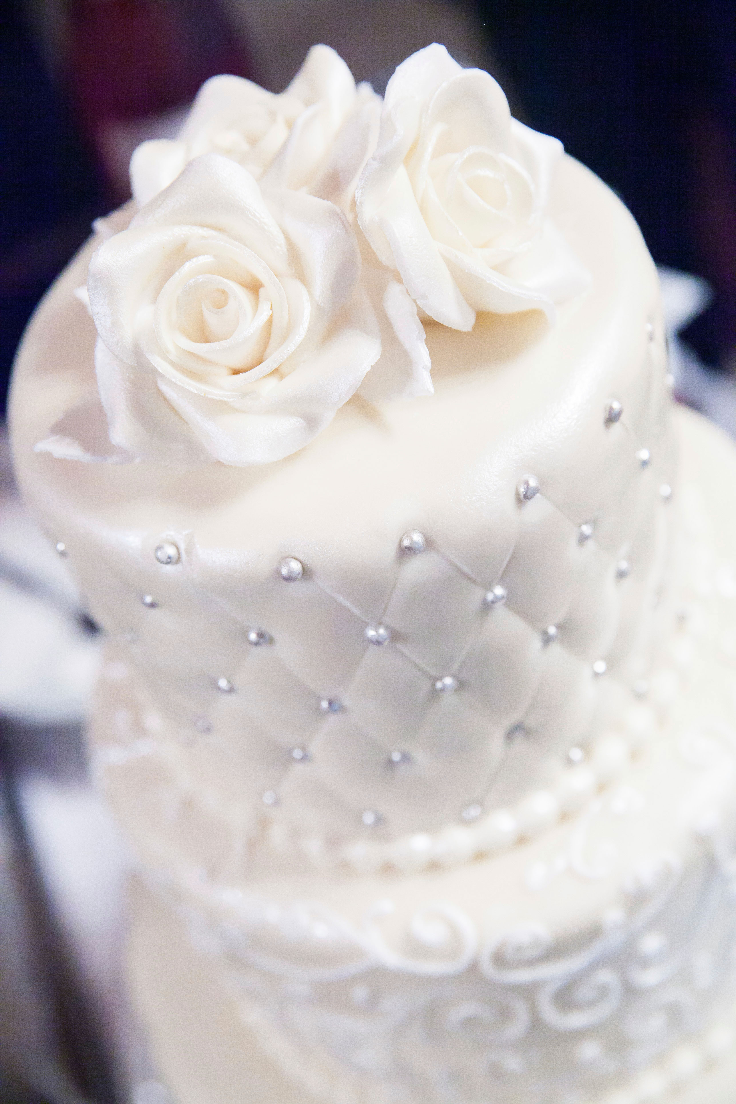 Saving the Top Tier of Your Wedding Cake - Topsy Turvy Cake Design